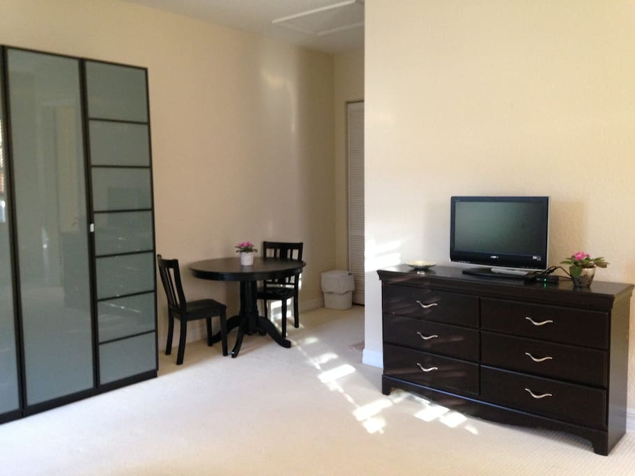1 Bed 1 Bath 450 Sq Ft Studio Apt Apartments For Rent In