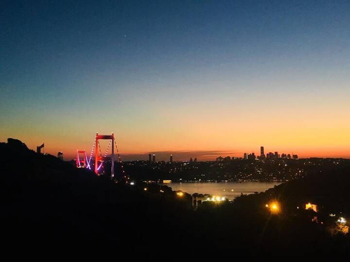 Comfortable room with Bosphorus, bridge,sea view.