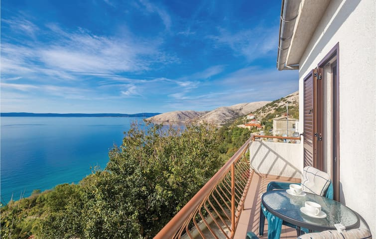 Holiday apartment with 2 bedrooms on 62 m² in Punat