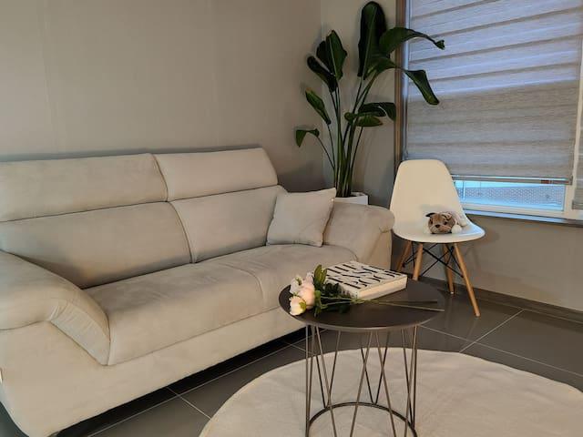 [Sunny House] 전주 세자매의 Cozy&Warm 감성숙소 ;  써니하우스