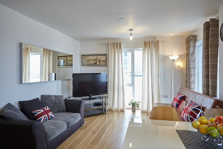 2 Bedroom apartment, North Greenwich O2, Excel
