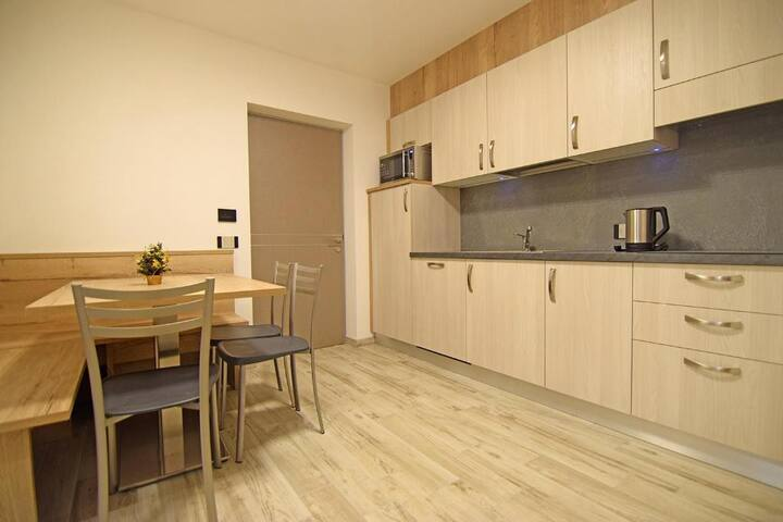 """Comfortable Apartment """"Vacanze Arcobaleno - Verde"""" with Mountain View, Wi-Fi, Terrace, Sauna & Jacuzzi; Parking Available; Pets Allowed"""