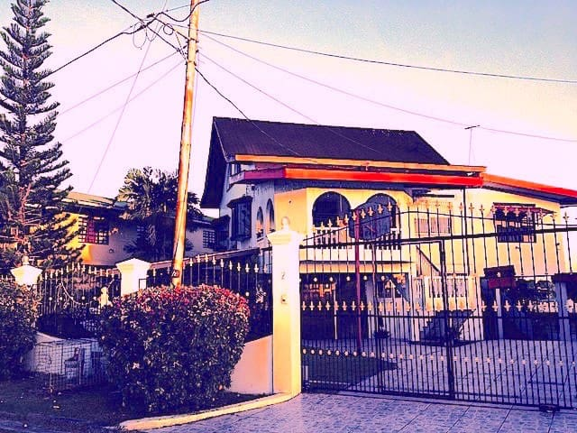 House With A View, San Fernando. (Upstairs Unit)