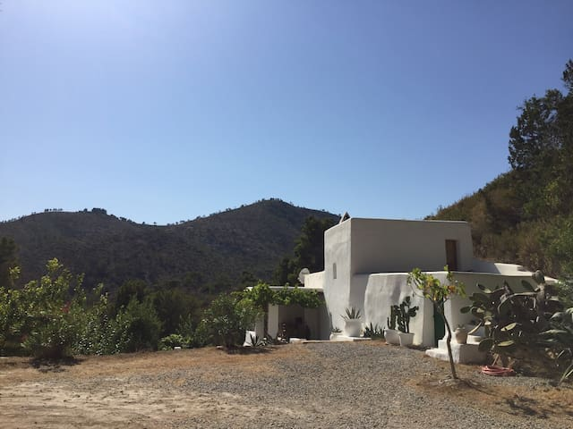charming finca with stunning pool - Sant Joan de Labritja - Rumah