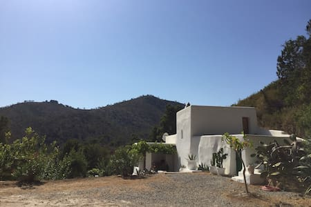 charming finca with stunning pool - Sant Joan de Labritja - 獨棟