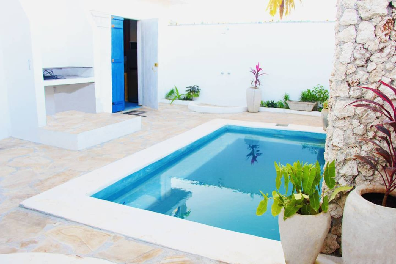 Pool and BBQ area Village Villa Zanzibar - Paje