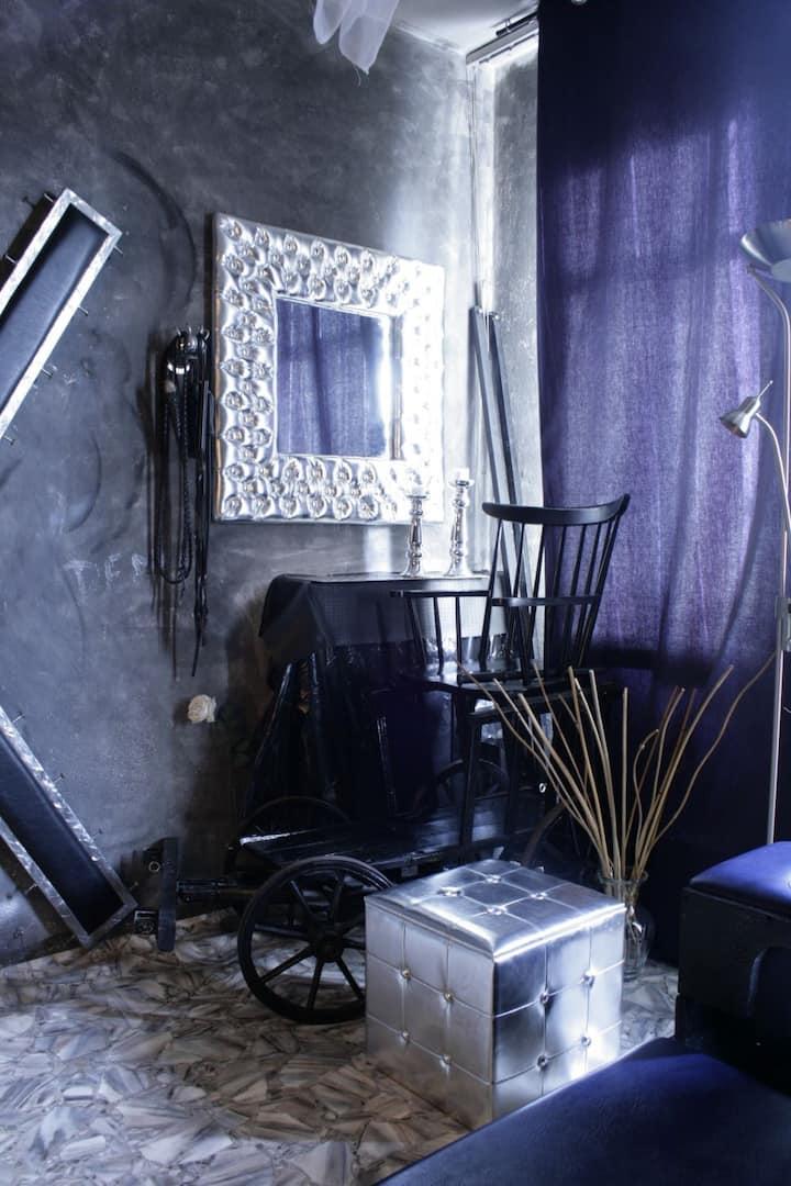 """BDSM Wohnung """"Fetish-Hostel""""Kellergewölbe möglich"""