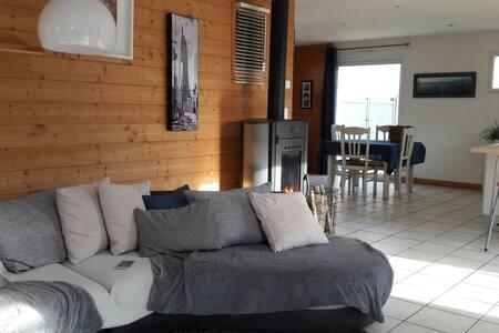 Maison en bois lumineuse. Pays de Loire - Beaupréau-en-Mauges - Hus