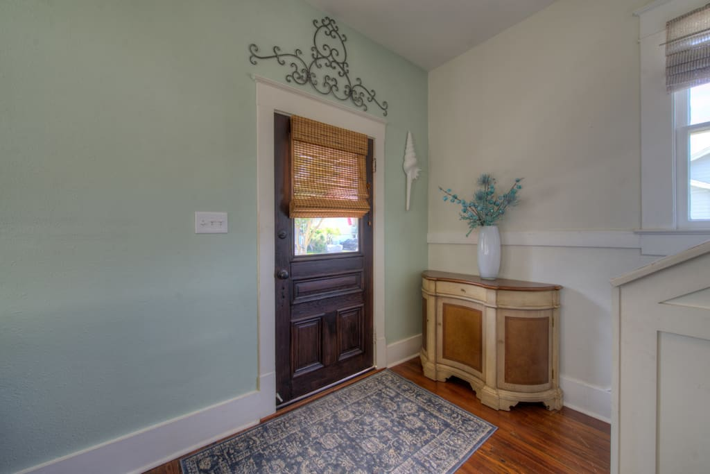 Entry way into the home
