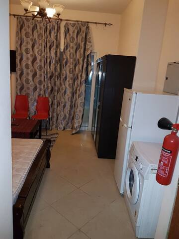 Fully furnished studio flat in Al Nahda Sharjah - Sharjah - Apartamento