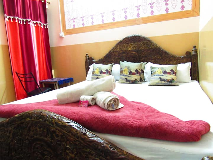 Budget accommodation @ Jamna house