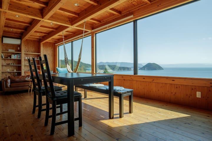 Unique villa with a view of the sea
