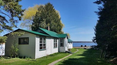 Rustic cabin w/sauna on Portage Lk