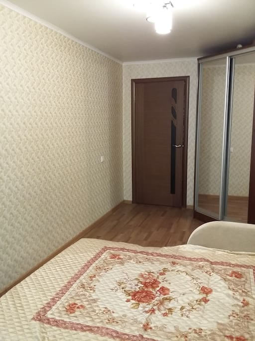Спалня вид 2