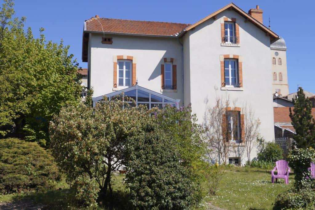 Grande maison de village avec v randa et jardin houses - Maison de jardin avec toboggan saint etienne ...