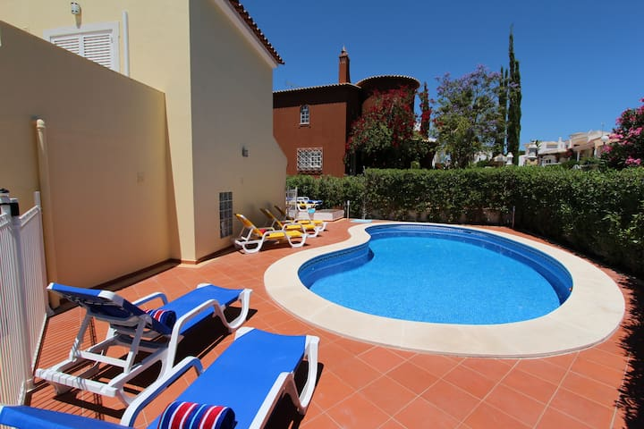 Villa Maelou, 4Bed 4Bath, free wifi,child friendly - Quarteira - House