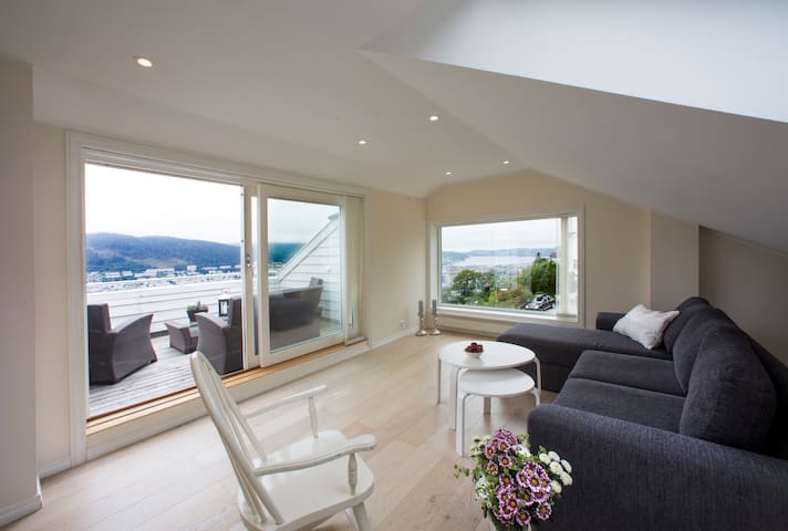 Luxury apartment with spectacular view. Parking. - Bergen - Flat