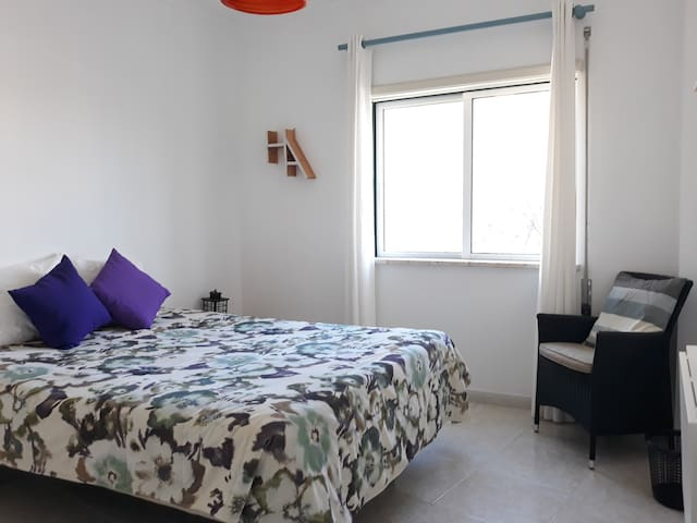 Quiet Fresh DoubleRoom Free Parking 20min beach M2