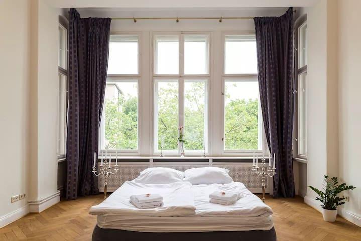 Insider Tip*** The 'Crytsal Suite Berlin' (34m²)