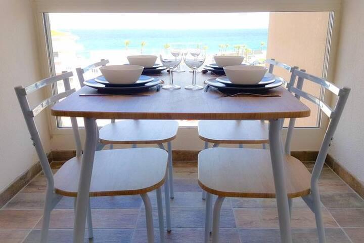 Beau studio idéalement placé avec vue mer !