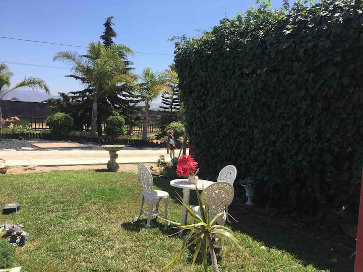 El jardín de Susy Relajante y cerca de la playa