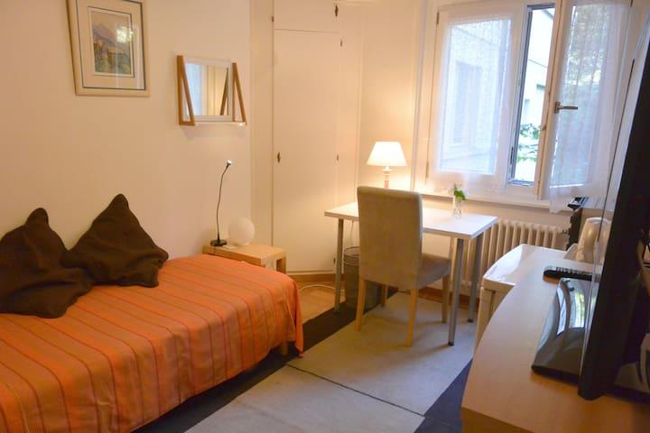Room-let Montreux