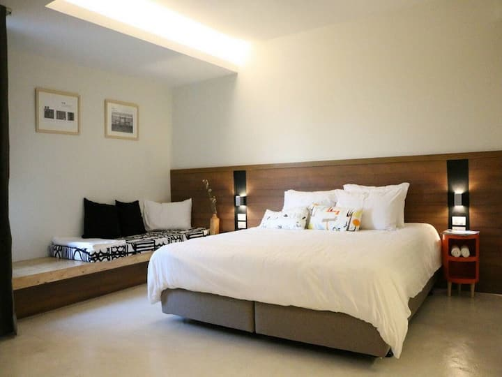 Deluxe Room  nearby Cicada Market Huahin just 2 min.