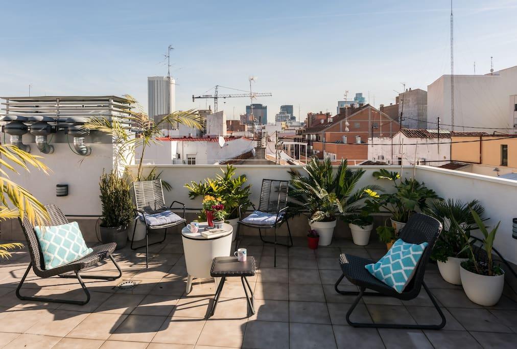Atico duplex con garaje apartamentos en alquiler en for Alquiler de garajes en madrid
