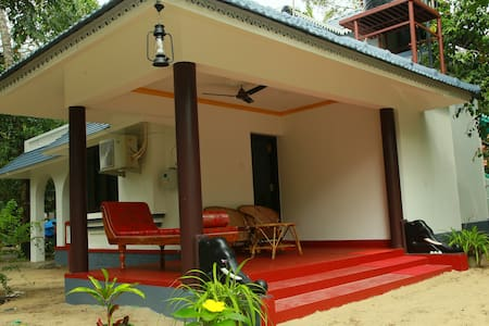 Neena Homestay at Marari beach (Rose room)