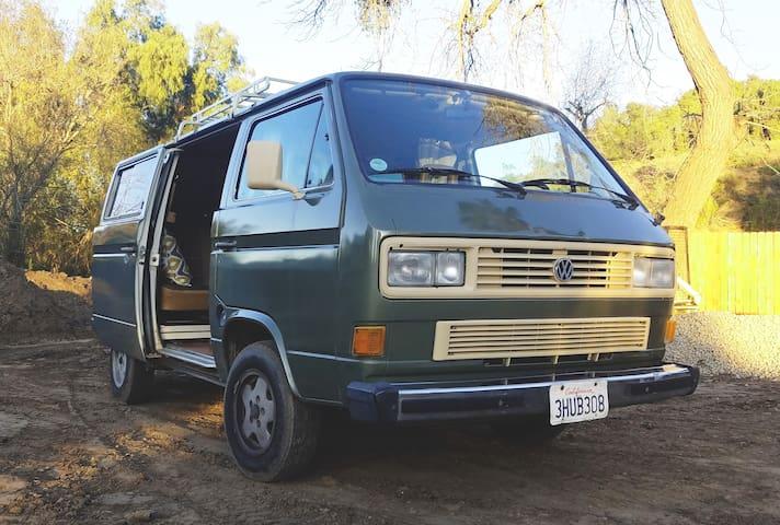 Beautiful and Custom 1986 VW Vanagon Camper Van - Moorpark