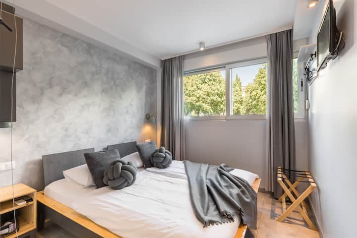 BB VIBE double room, BREAKFAST included