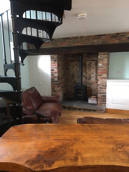 There is a log burning stove for guests to use.  Wood can be supplied.