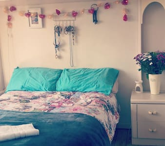 Your home away from home in Chester - Chester - House