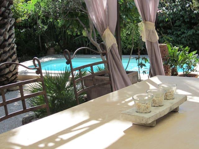 Chambre /vue piscine/au calme - Solliès-Pont - Maison