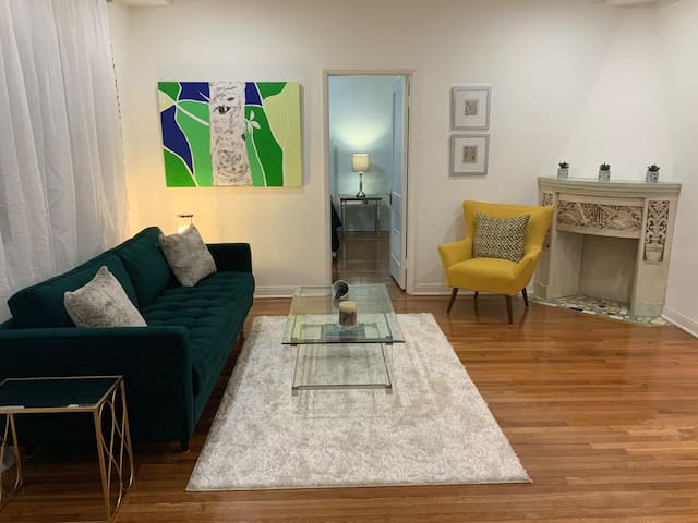 Artist Chic Home Welcomes You To #1 Miami Location