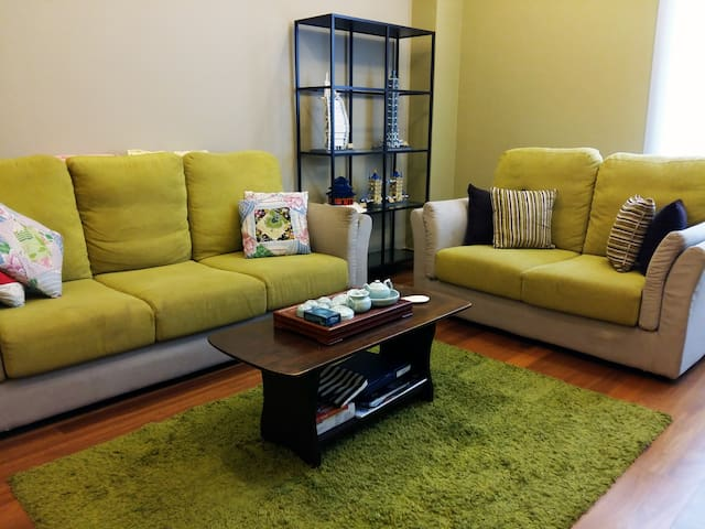 Private rooms for group - Seri Kembangan - Huis