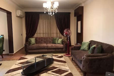 Friendly apartment stay with a Nile view at Giza