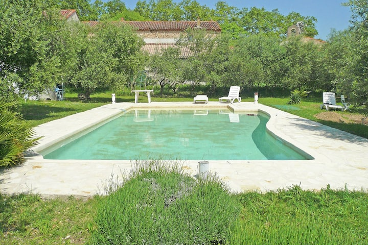 Beautiful Holiday Home in Murviel-lès-Béziers with Pool