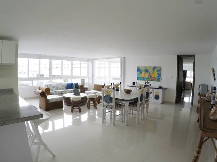 Hermoso apartamento 130 metros  con  vista al mar.