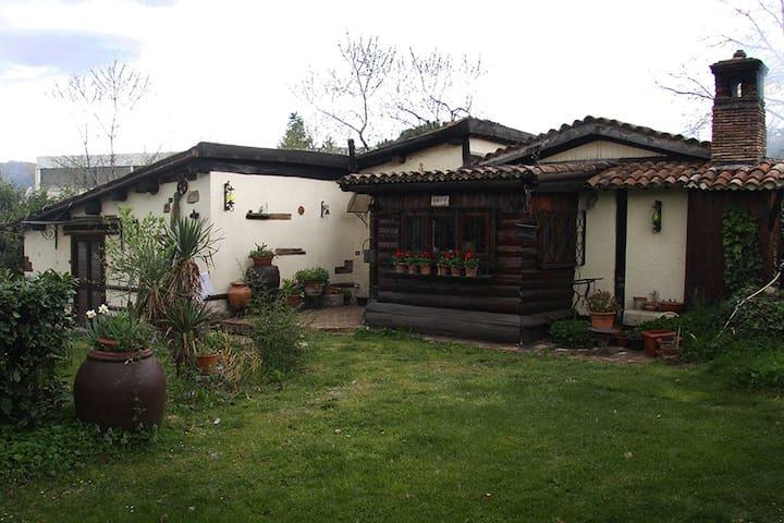 SCACCIAPENSIERI nature&relax - Santa Rufina - Huis