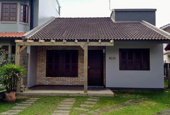 Aconchegante casa em Garopaba
