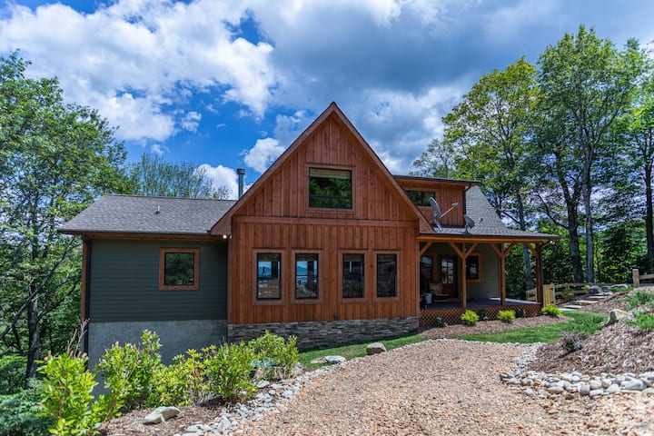 Owls Nest - Pet Friendly home with Pool Table, beautiful views, Indoor & Outdoor