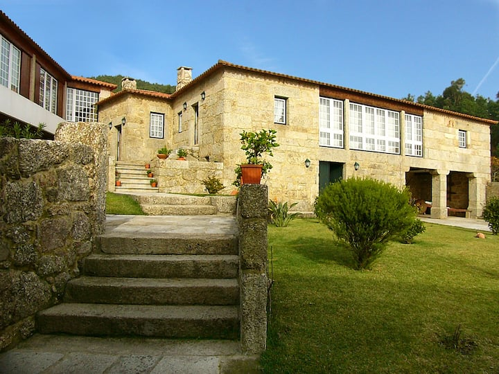 Exclusive Villa with 5 bedrooms near Braga