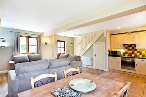 Homely Dog Friendly Cottage | Carsington Water