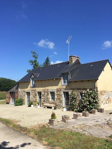 Maison rénovée 170m° WIFI & clim - Landebia