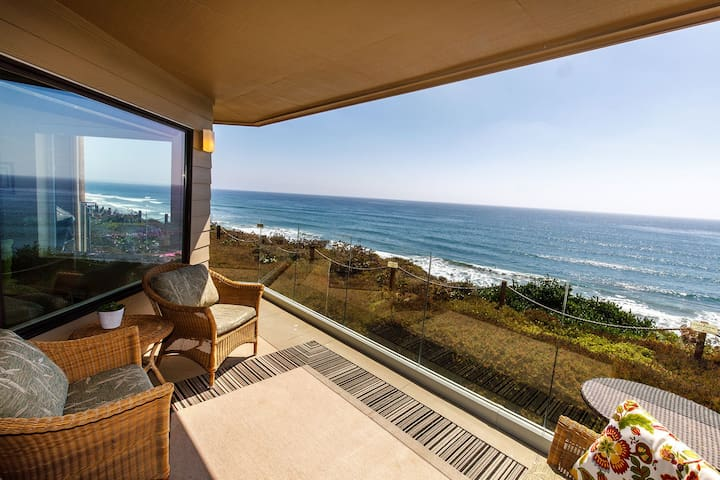 Relax & Renew- Lovely Oceanfront Condo w Fireplace