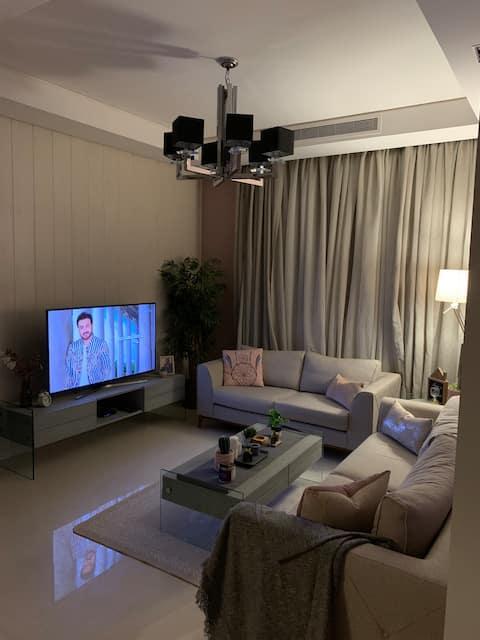 Cozy VIP 2-bedroom Apt ( self check in) حي النخيل