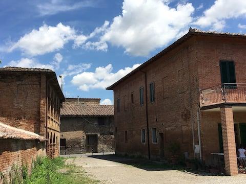 Farmhouse on the Pilgrim Way Francigena