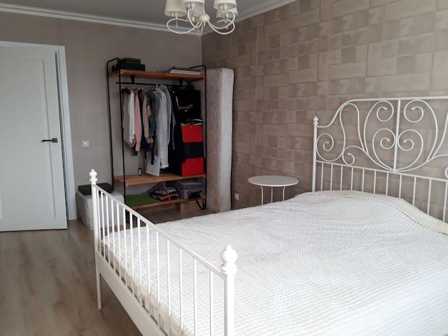 Комнаты в просторной и уютной 3х ком квартире