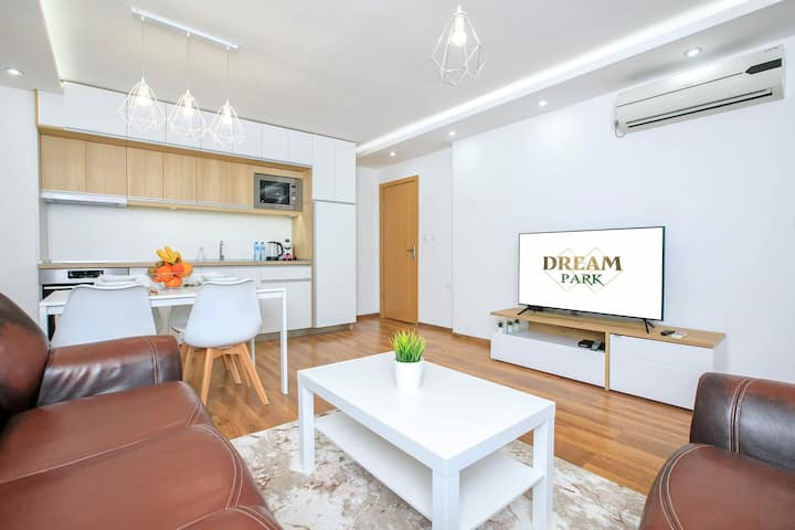 Dream Park Apartment
